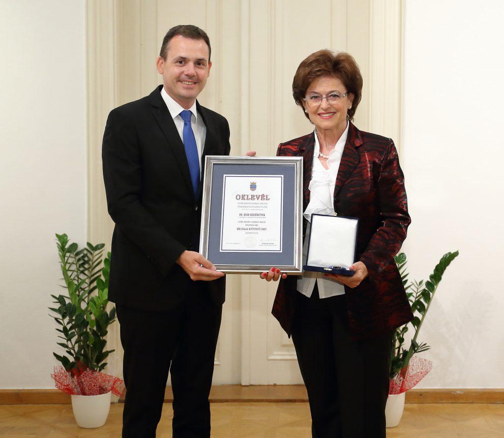 Dr. Knáb Erzsébet, az Audi Hungaria igazgatósági tagja Győr-Moson-Sopron megye díszpolgára