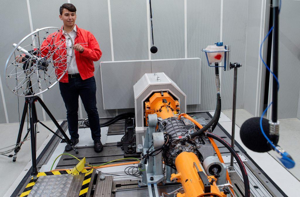 Audi Műszaki fejlesztés 20 E-motor akusztikai vizsgálata az Audi Hungaria Műszaki Fejlesztésén